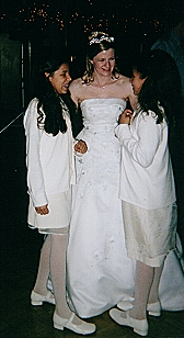Bride-Nieces.jpg (51645 bytes)